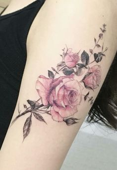 55 Best Rose Tattoos Designs – Best tattoos for women tattoos can go through a lot of passages, such as your religious and spiritual devotion and your pledge of love. Outside … tattoos Rosen Tattoo Frau, Rosen Tattoos, Pretty Tattoos, Beautiful Tattoos, Body Art Tattoos, New Tattoos, Tatoos, Bicep Tattoos, Pink Rose Tattoos