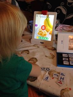 With Osmo words, you can create you own albums to teach your children words and spellings. Kids Learning Activities, Learning Tools, Fun Learning, Physical Play, Education Middle School, Maker Space, Grade 2, Future Classroom, Creative Thinking