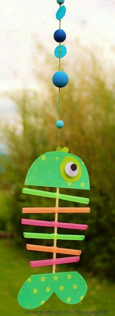 x-ray fish great craft for ocean themed activities for preschool and kindergarte… – - Fisch Krafts Ideen Kids Crafts, Sea Crafts, Summer Crafts, Projects For Kids, Diy For Kids, Paper Crafts, Art Projects, Diy Paper, Camping Crafts