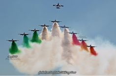 National Flag India, Air Planes, Indian Army, Air Show, Battleship, Aviation, Facebook, Christmas Ornaments, Space