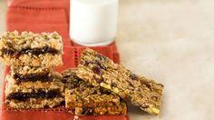 breakfest bars cereal pecan granola relish