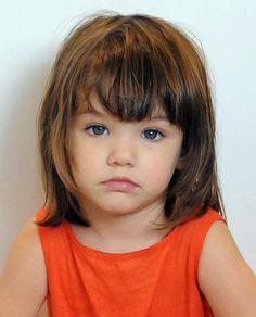 Een bob kapsel kan ook helemaal geweldig staan bij jonge meiden! - Kinderkapsels