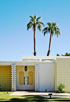 Facade of mid-century modern home in Palm Springs, California