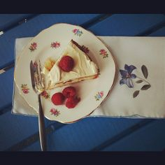 Raspberry Lemon Curd Cake
