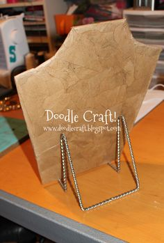 a Necklace Display Form Make a Necklace Display Form - love this and it's easy!Make a Necklace Display Form - love this and it's easy! Jewellery Storage, Jewellery Display, Jewellery Holder, Craft Fair Displays, Display Ideas, Craft Booths, Booth Displays, Retail Displays, Shop Displays