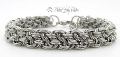 Queened Vipera Berus Chainmaille bracelet in stainless steel with tripled outer rings.                                                                                                                                                                                 More