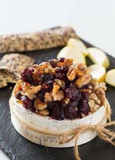 This baked Camembert recipe is simple, delicious and very seasonal with cranberries, walnuts and a drizzle of chilli honey. An easy Christmas recipe. Mini Christmas Cakes, Christmas Recipes, Christmas Dinners, Christmas Buffet, Christmas Cooking, Christmas Christmas, Yummy Appetizers, Appetizer Recipes, Recipes Dinner