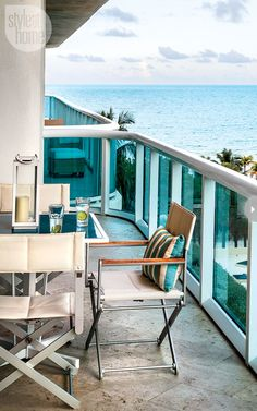 'Style At Home Fresh Miami condo' are those vodka tonics too? Oh baby ! Take me home Condo Bedroom, Condo Living Room, Living Rooms, Living Spaces, Porches, Miami Beach Condo, Beach House, Condo Balcony, Miami Houses