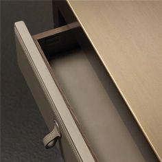 Leather desk - Promemoria