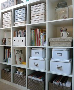 I'm going to need a space like this in our new apartment to organize the 500 million school supplies, texts, and papers I have. Check!