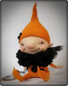 Halloween Elfie by Bone*Head*Studios, via Flickr Needle Felted Animals, Felt Animals, Clay Dolls, Art Dolls, Wet Felting, Needle Felting, 3d Figures, Fairy Clothes, Monster Dolls