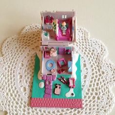 Image of Maison chalet Polly pocket vintage @orangevertevintage