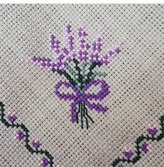 Pretty Designs, Bargello, Christmas Cross, Hand Embroidery, Cross Stitch Patterns, Needlework, Butterfly, Elsa, Sewing