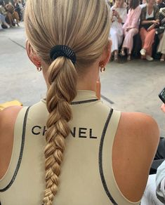 Braids make hair grow. So we think it's thanks to the braids! Aesthetic Hair, Blonde Aesthetic, Braided Ponytail, Grunge Hair, Looks Style, Hair Day, Pretty Hairstyles, Hairstyle Ideas, Braided Hairstyles