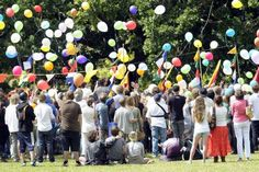 Get inspired by these 16 beautiful celebrations of life that we've collected over the years! Balloon Release, Funeral Songs, Life After Death, Colourful Balloons, Life Pictures, Felt Hearts, Love At First Sight, Celebrations