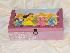 Bella hercegnős doboza :)
