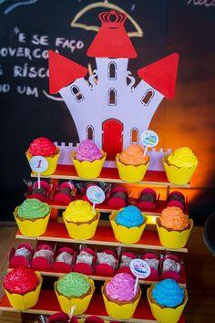 festa infantil aquarela rogerio inspire mfvc-68                                                                                                                                                     Mais Malu, Birthday Candles, Alice, Party, Cupcake, Abc Party, 2 Year Anniversary, Ideas Aniversario, Party Candy