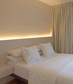 25 creative bedroom ideas for your tiny apartment to try 19 Creative Bedroom, Modern Bedroom, Home Bedroom, Bedroom Interior, Minimalist Bedroom, Master Bedrooms Decor, Bedroom Decor, House Interior, Modern Style Bedroom