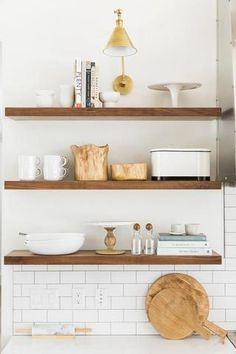 trendy Ideas for dark wood kitchen modern open shelving Rustic Kitchen, New Kitchen, Kitchen Decor, Kitchen Ideas, Open Shelf Kitchen, Boho Kitchen, Smart Kitchen, Kitchen Wood Shelves, Floating Shelves In Kitchen