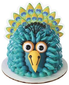 Peacock Fingeroos Cake Kit Looks more like a TV Celebrity bird but love these icing feathers!