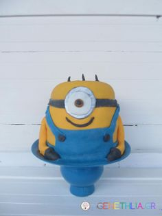 Minion cake-how to