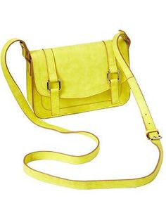 Unless this looks really bad in person...I'm getting this yellow bag at Old Navy. Today.