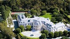 Ever wonder what $200 million can get you? http://www.homes.com/blog/2017/04/the-spelling-family-manor-is-for-sale-at-200m/