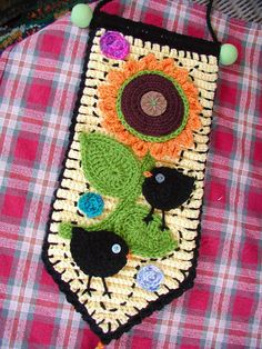 """Free pattern for """"Sunflower""""...the link to the Birdie Applique doesn't work so I'm trying to track it down!"""
