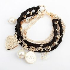 Charming Faux Pearls Decoration Woman Bracelet with Chains Robes Vintage, Silver Bracelets For Women, Heart Jewelry, Black Jewelry, Stone Jewelry, Crystal Jewelry, Jewelry Accessories, Jewelry Party, Bangle Bracelets