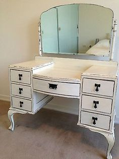 Super cute vintage dressing table