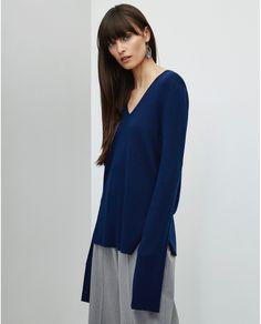 Jersey de mujer Adolfo Domínguez de lana con escote de pico 100% lana