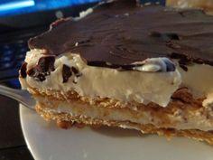 Ενα πραγματικά υπέροχο και πολύ γρήγορο ανάλαφρο γλυκάκι!!  Δεν φαντάζεστε την πολύ ωραία εμφάνιση και γεύση του.Φτιάξτε τ... Greek Desserts, Greek Recipes, No Bake Desserts, Easy Desserts, Dessert Recipes, Food Network Recipes, Cooking Recipes, The Kitchen Food Network, Chocolate Sweets
