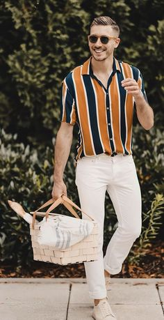 10 Ways To Master Tuck In Shirt Trend This Season - Mens Shirts Casual - Ideas of Mens Shirts Casual - Casual Tuck In Shirt Outfit Ideas For Men Tucked In Shirt Outfit, Style Outfits, Trendy Outfits, Trendy Clothing, Men's Outfits, Apparel Clothing, Men's Apparel, Men With Street Style, Style Men