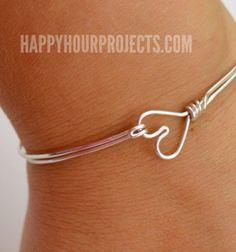 Easy DIY heart clasp wire wrapped bangle bracelet // Szívecskés karkötő - egyszerű drót ékszer // Mindy - craft tutorial collection