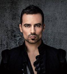 Damien Sargue alias Aramis dans les 3 mousquetaires