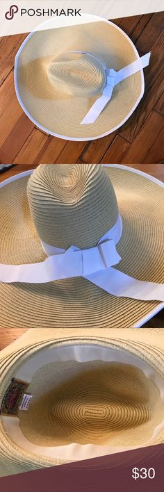 Sun hat Large scale sun hat spf 50 pristine condition bought at Devon horse show worn once. Packable Scala Accessories Hats