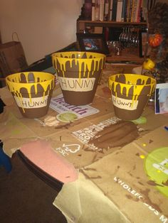 Birthday hunny pots for Winnie the Pooh birthday party! Perfect for my sister Gloria!