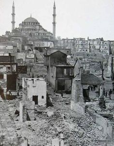 Atpazarı / Fatih Probably the year of Old Pictures, Old Photos, Istanbul Pictures, Cultural Experience, Historical Architecture, Historical Pictures, Istanbul Turkey, Continents, Old World
