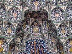 Muscat-Interior of Sultan Qaboos Grand Mosque