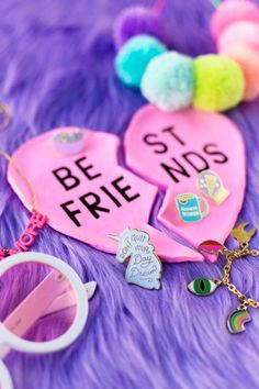 DIY BFF Ring Dishes | studiodiy.com #kidsfashiondiy Diy Best Friend, Valentines Day Gifts For Friends, Presents For Best Friends, Bff Gifts, Diy Crafts For Kids Easy, Diy Home Crafts, Ring Dish, Best Friend Jewelry, Valentine's Day Diy