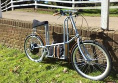 the grey electric bicycle by philip crewe Bycicle Vintage, Bycicle Woman Road Bikes, Cycling Bikes, Cycling Equipment, Bicycle Store, Mens Toys, Motorized Bicycle, Bike Brands, Green Technology, Camping Gifts
