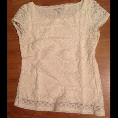 Banana Republic blouse White lace top with lining short sleeves Banana Republic Tops Blouses