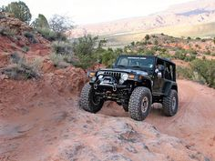http://www.jeepforum.com/forum/attachments/f59/89491d1256093120-ljs-37s-larger-0806_4wd_16_z-jeep_wrangler_tj-front_ascending_view.jpg