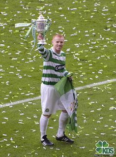 Lennon's last game for Celtic, Scottish Cup final May lifts the cup Celtic Fc, Last Game, Football Soccer, Glasgow, Harajuku, Club, Big