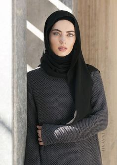 Hijab Fashion Ideas In today's article, we would be looking at some hijab fashion ideas that are sure to look beautiful and elegant on any Muslim woman. Abaya Fashion, Modest Fashion, Unique Fashion, Fashion Outfits, Fashion Ideas, Inayah Collection, Hijab Collection, Muslim Women Fashion, Islamic Fashion