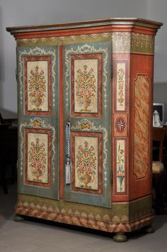 Double leaf door hand-decorated luxury baroque Tyrolean cupboard for mountain furninshing. Decoupage Furniture, Painted Furniture, Furniture Design, Painted Wardrobe, Painted Armoire, Shabby Chic, South Tyrol, Grand Staircase, Objet D'art