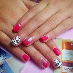 #pinkeverything #glitter #sugarskulls #askfortearra #vanwa #gelpolishmanicure
