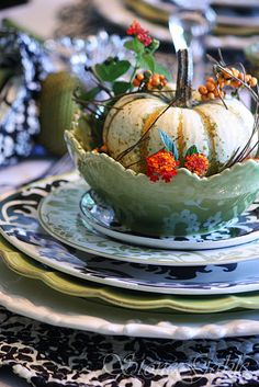 What a Pretty Pumpkin table setting for Fall