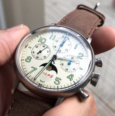 Red Star  Column-wheel-chronograph with moon phase - Seagull caliber ST1908