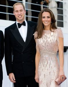 Perfect Style: Catherine, Duchess of Cambridge Pictures, Celebrity Photos | Hollyscoop